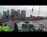 MS Stubnitz Entering London Canary Wharf // 2013-01-24 - Video Select