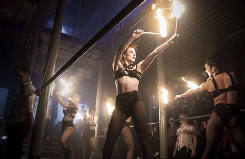 Fiery hot - Midnight Circus: photo by Salli